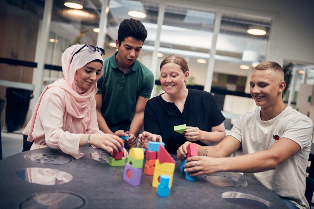 Elever och lärare på Barn- och fritidsprogrammet